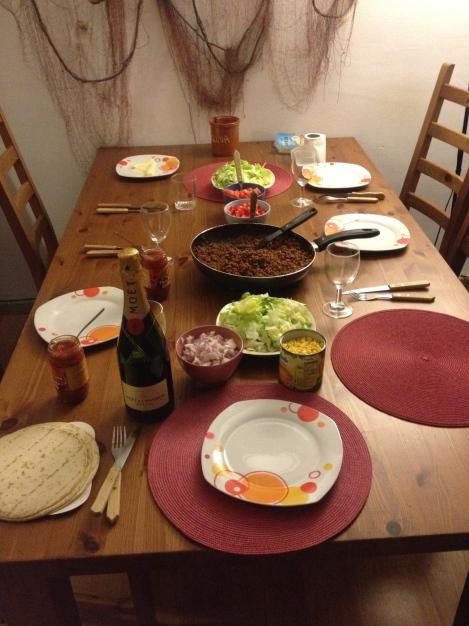 Ørjan fylte 25 år denne uken, det ble feiret med taco og Champagne