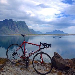 Hva skal man si? rett og slett utrolig vakkert, anbefaler alle med eller uten sykkel en tur opp til Lofoten.
