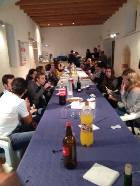Spanske mosjonister fulle og halvfulle av rødvin, øl, brus osv osv