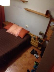 Her er mitt nye soverom, stort og fint selvom ikke hele kommer med på bilde.