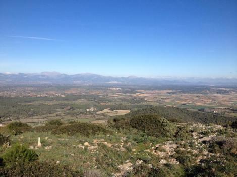 På samme tur tok jeg også turen innom Cura igjen, her med utsikt ned til den lille landsbyen Lloret der jeg bor