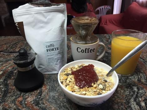 Denne uken har jeg jo også fått påfyll av gode kaffebønner av DJ så hver morning har jeg stått opp ekstra motivert vel vitene om at jeg får en herlig start på dagen med god kaffe.
