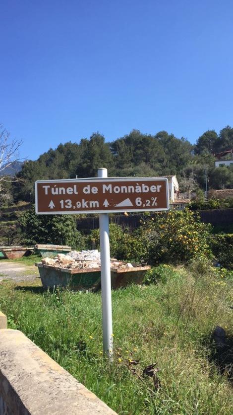 Den lengste stigningen på Mallorca finner man opp fra Soller å i rettning Puig Major.