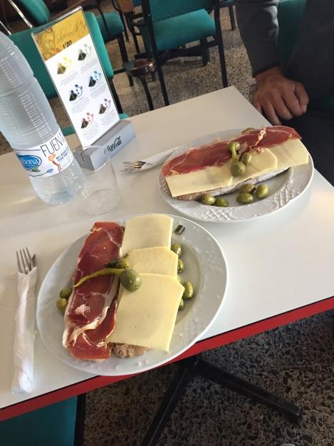 Pamboli til frokost siste dagen med Toni