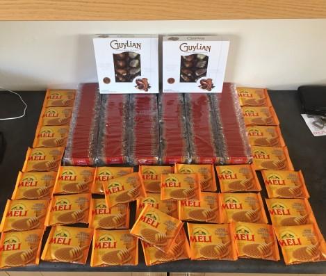 Jeg har også gått til innkjøp av 300 små kjekt og ca veldig mange honning-kjeks + litt sjokolade... Så #FettErFart, nå er det bare å passe seg fremover:)