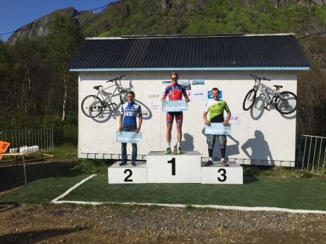 Jeg var også innom Senja, hvor jeg syklet ett ritt som var en kopi av en av Arctic race of Norway etappene i år, dette resulterte i seier å 15.000kr :)