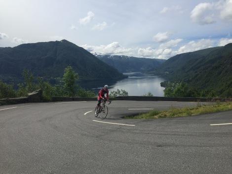 Jeg er ofte ute på tur, slik som på dette bilde fra Osterøy uten for bergen...