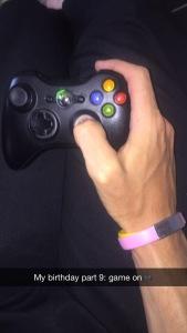 Xbox kun for å knerte noen slemme folk i et skytespill :)