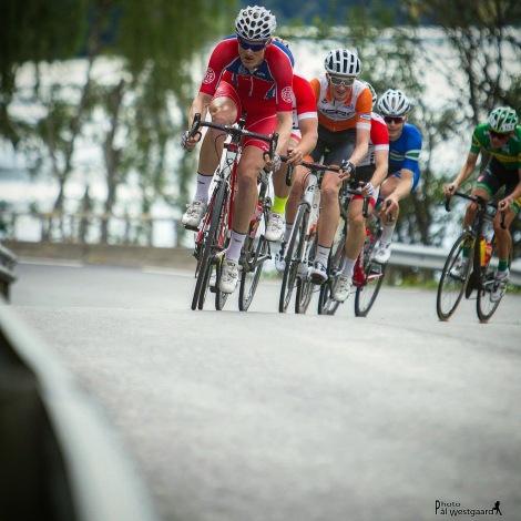 Etter en sterk 8 plass i Kongerittet på terrengsykkel ofret jeg meg for laget på en tung dag på sykkelen under Follorittet.! Utrolig gøy å dunke i front når vi har en god lagfølelse om dagen innad i laget. Foto: Pål Westgaard