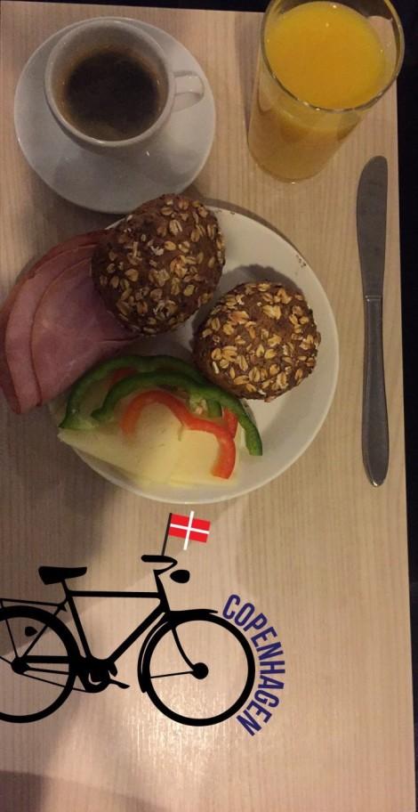 Fikk meg en god frokost i Danmark også!