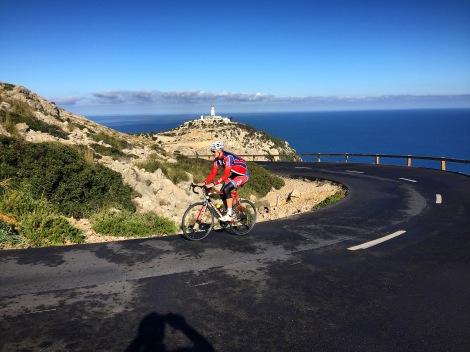 Siden jeg hadde med selskap på turen tvang jeg han også til å ta en bildebevis av meg på sykkel, slik at dere faktisk set at jeg faktisk har med sykkel ned hit:)
