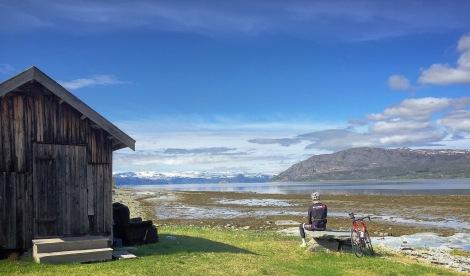 Blant vidder og reinsdyr finner man også havet, slettes ikke værst utsikt:)